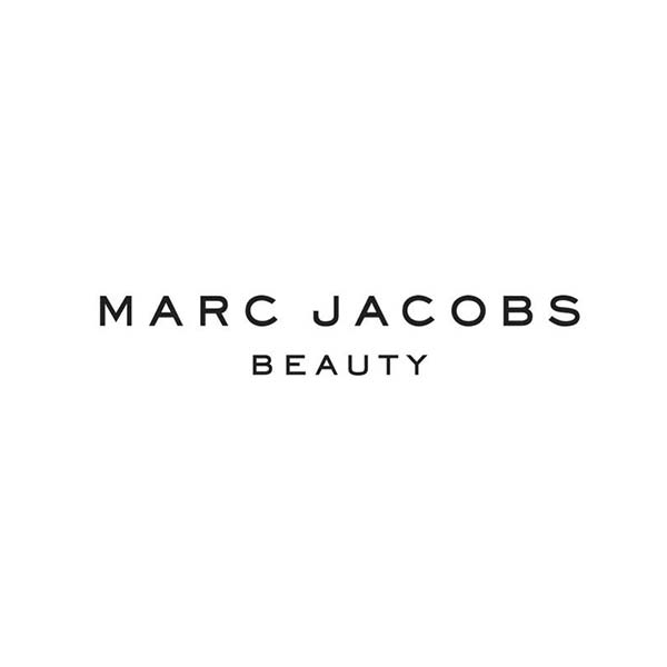 Logo majuscule - Marc Jacobs Beauty